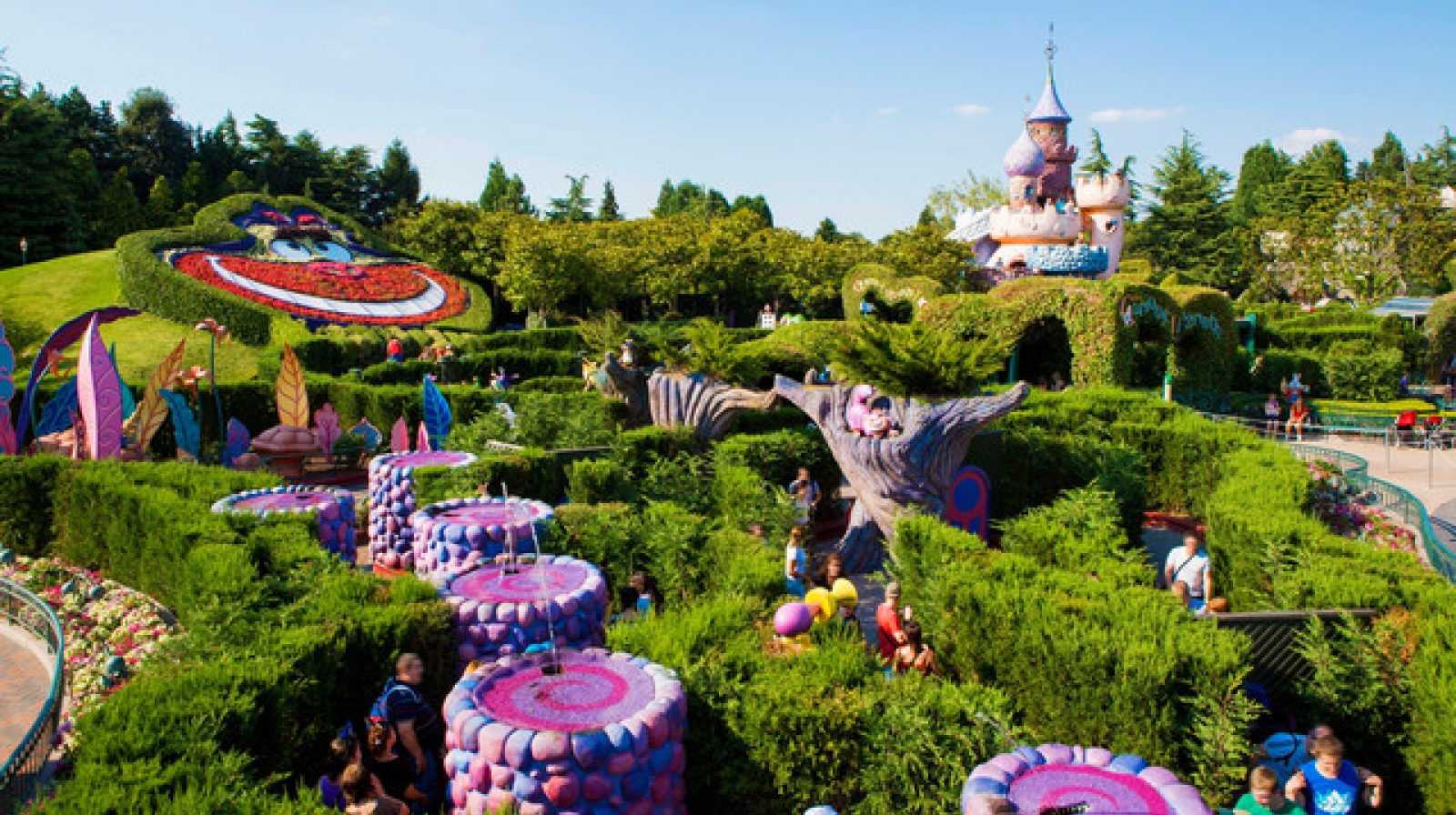 disneyland paris With its iconic theme parks, film studios and disney village, disneyland paris really is the home of magic but how do you find a package on a budget.